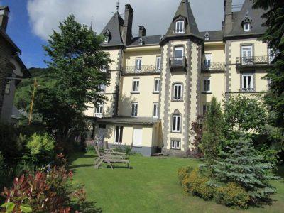 1-Jardin de l'hôtel - grand Hotel du Mont-Dore