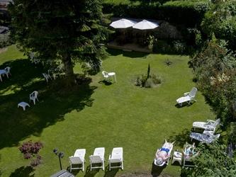 3-Jardin de l'hôtel - grand Hotel du Mont-Dore